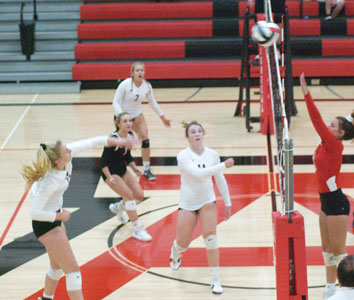 Lady Pioneer spikers win difficult battle against Pleasant