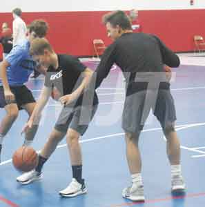 Youngsters learn hoop skills at annual Marysville Pit camp