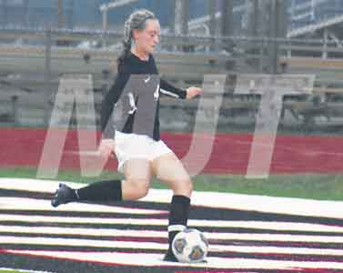 Hooley scores seven goals during Lady Pioneers' victory; Monarchs edge Fairbanks Panthers in boys soccer action